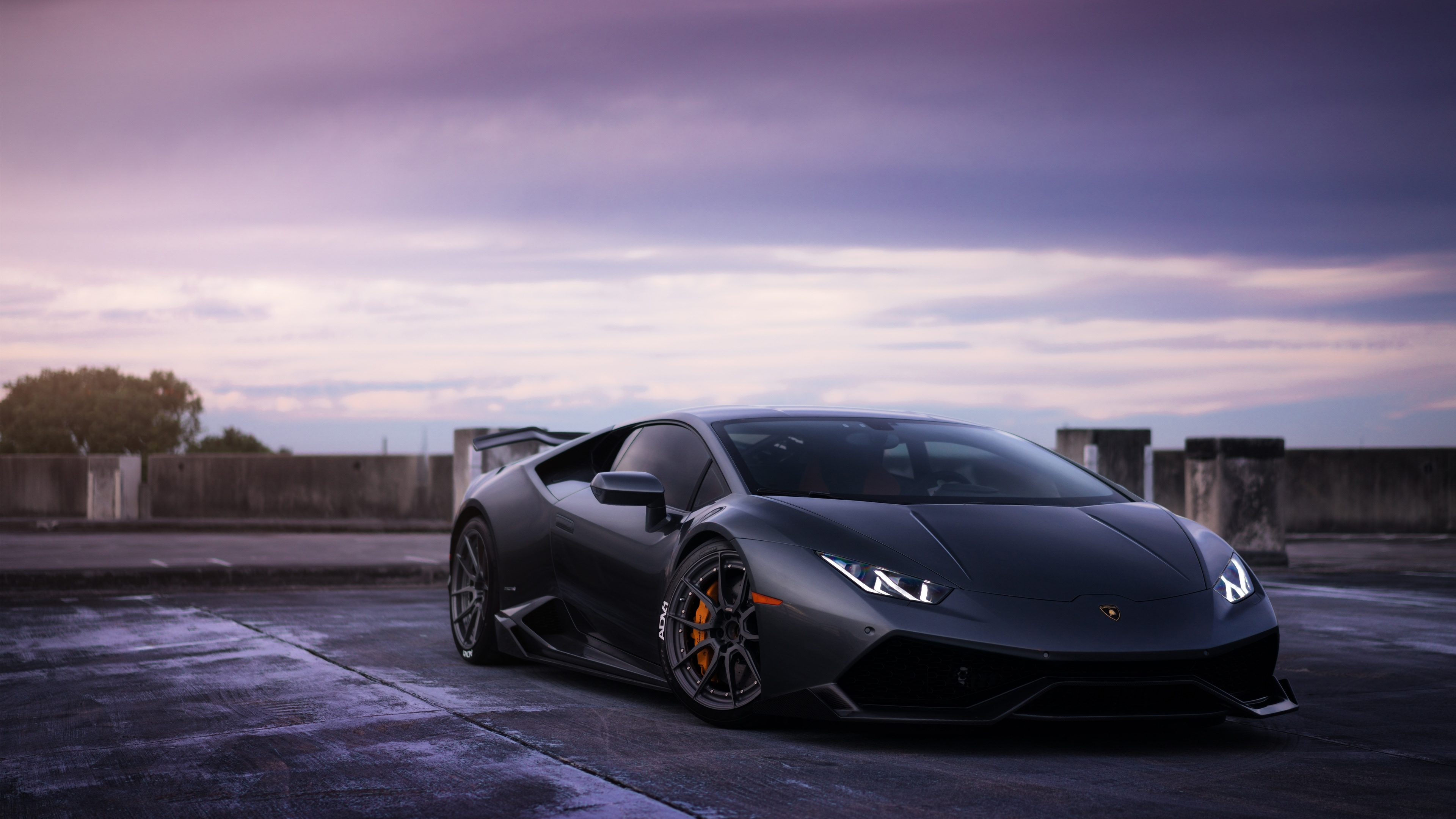 Lamborghini Haracan Review